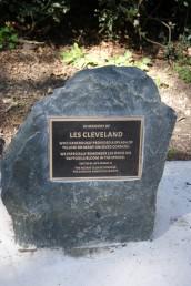 Memorial for Les
